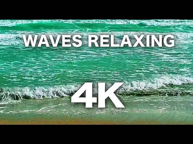 Soothing Waves Crashing on Beach 4K screensaver
